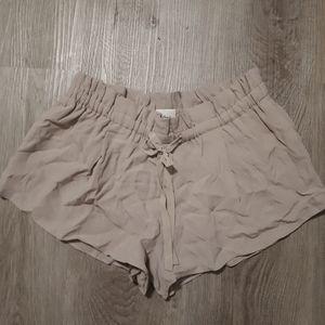 Wilfred beige flowy shorts